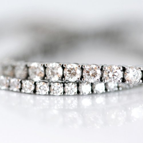 18ct White gold tennis bracelets with round brilliant diamonds